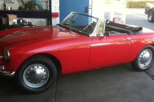 1964 MGB convertible Photo
