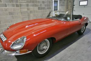 Jaguar E Type Roadster S1