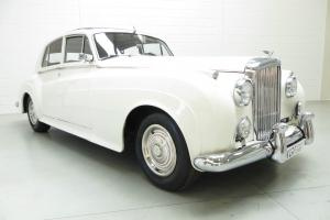 A regal Bentley S1 Sports Saloon with specialist history and 61,690 miles.