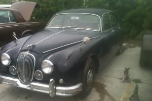 1967 Jaguar MK II model 340. Photo