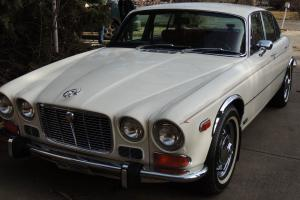 1973 Jaguar XJ6 sedan Photo