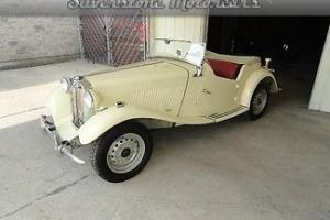 1953 White TD! manual, very good condition convertible sportscar Photo