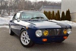 1974 Alfa Romeo GTV 2000 in Blue w/ Tan
