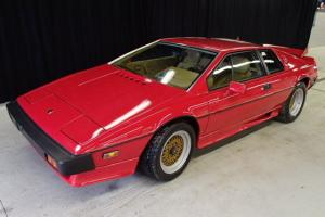 FLAWLESS **2-OWNER** LOTUS ESPRIT 4 CYLINDER TURBO 5-SPEED. ESTATE SALE