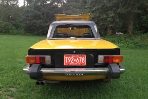 TRIUMPH TR6 1976 Inca Yellow Photo
