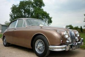 JAGUAR MK2 3.8 AUTOMATIC SALOON - BEAUTIFUL AND ORIGINAL CAR !! Photo