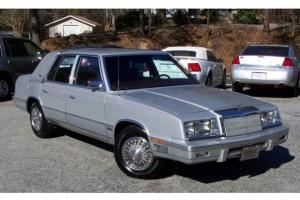 PRISTINE-2.2L-FUEL-INJ-TURBO-SILVER-BURGUNDY-LEATHER-COLD-AC-5TH-AVENUE-LIL-SIS!