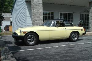 1977 MGB TWO-TOPS OVERDRIVE