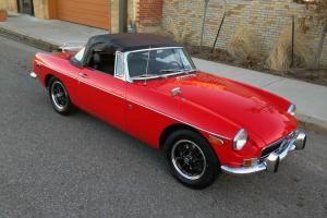 1971 MGB Roadster 42,000 Miles! Hard to find in this condition, Restored! Photo