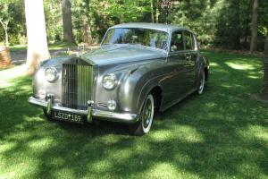1962 ROLLS ROYCE SILVER CLOUD ll  - Well maintained, Garage Kept- Low Miles! Photo