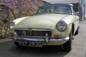 MGB Roadster, 1969 in Primrose yellow. Photo