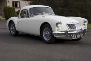 MGA COUPE MK1 1500 OLD ENGLISH WHITE Photo