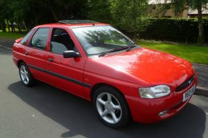 FORD ESCORT 1.6 LX. ONLY 47,531 MILES. 1 PREVIOUS KEEPER. TIMEWARP CONDITION