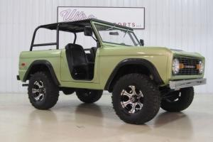 1974 Ford Bronco-302- 3 Speed