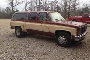 1986 GMC Suburban 2500 Dually *LOW RESERVE*