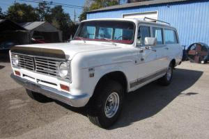 1972 International Harvester Travelall 1210,automatic,345 CI V8,pwr steer/brakes