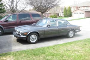 Beautiful 1986 Jaguar souveriegn certified with only 29,000 miles (48,000 KLM's) Photo