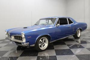 326 CID V8, 3-SPEED AUTO, POWER STEERING & BRAKES, 17-INCH WHEELS, RECENTLY AND