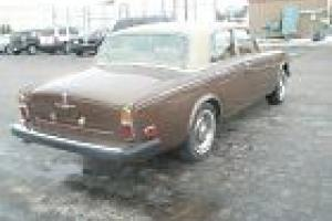 1976 ROLLS ROYCE SILVER SHADOW 4DR SEDAN / WALNUT EXTERIOR AND TAN INTERIOR