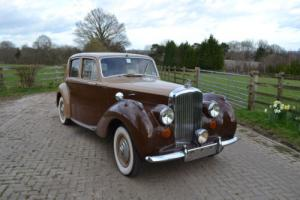 1951 Bentley Mk.VI Saloon Photo