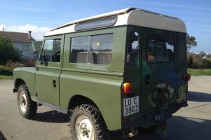 LAND ROVER DEFENDER 88 Photo