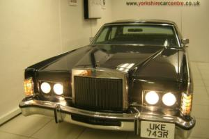 Lincoln Town Car * ABSOLUTELY STUNNING CONDITION *