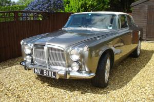 STUNNING EXAMPLE OF A 1972 ROVER P5B COUPE- 3.5 LTR AUTO