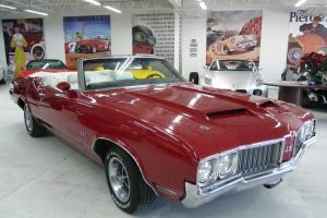 Oldsmobile : Cutlass 442 Convertible with 455 and Hurst shifter