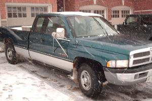 Dodge : Ram 2500 Base Extended Cab Pickup 2-Door