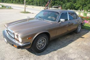 1987 Jaguar Vanden Plas with Custom 5 Speed