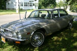 1977 Jaguar XJ12 L Sedan 4-Door 5.3L