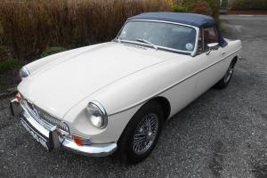 1973 MGB roadster, genuine 41,000 mls, fully restored, very good driving car