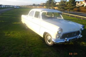 FORD CONSUL 375 Photo