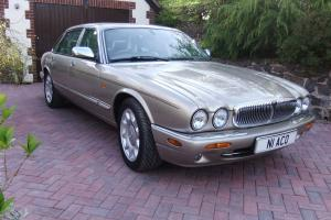 2000 Daimler V8 Automatic - Topaz Metallic - Very Low Mileage