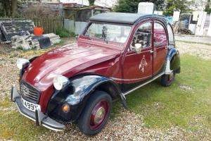 Citroen 2CV Charleston (Maroon & Black)