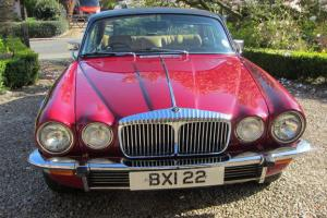 STUNNING 1977 DAIMLER/Jaguar 5.3 V12 DOUBLE SIX PILLERLESS COUPE 32,000 MILES Photo