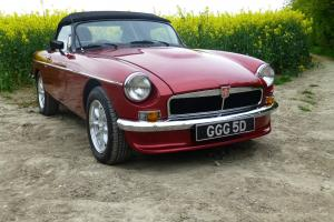 MGB V8 ROADSTER 1966, SELLING ON BEHALF OF FAMILY FRIEND Photo