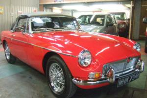 MG MGB Roadster 1.8 1969 Beautifully Restored Tartan Red CHROME WIRE WHEELS Photo