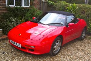 LOTUS ELAN SE TURBO M100 WITH A GENIUNE 18,000 MILES ON THE CLOCK Photo