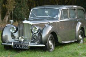 1948 Bentley Mark VI Shooting Brake.