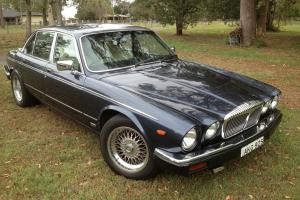 Jaguar Daimler Double SIX 1987 Photo