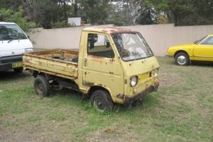 Suzuki Carry UTE 2 Stroke Goes Locked Diff Burnout Rust Bucket Hotrod Drift Chev
