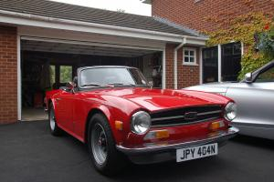 Triumph TR6 1975 Signal red Photo