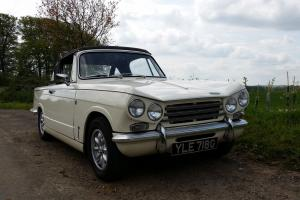 Triumph Vitesse Mk2 Convertible (1968, white) Photo
