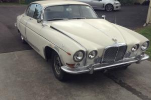 Jaguar 420G in Oakleigh, VIC