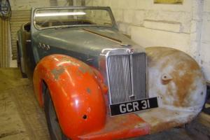 triumph roadster sports 1949 2000cc. nice project Photo
