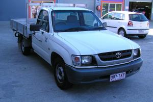 Toyota Hilux 2004 2 7 Work Mate