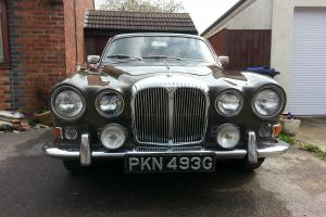 Daimler 420 Sovereign Photo