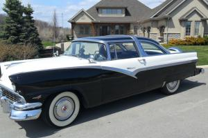 Ford : Crown Victoria Fairlane