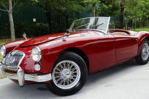 1962 MGA COLLECTIBLE ANTIQUE BEAUTIFULLY DESIGNED